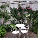 種々のバラが一斉に花開く5月はガーデンのメインシーズン。