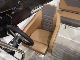 silver-hawk-br-19-00-сиденье водителя.jp