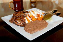 Chilaquiles con Carne Asada