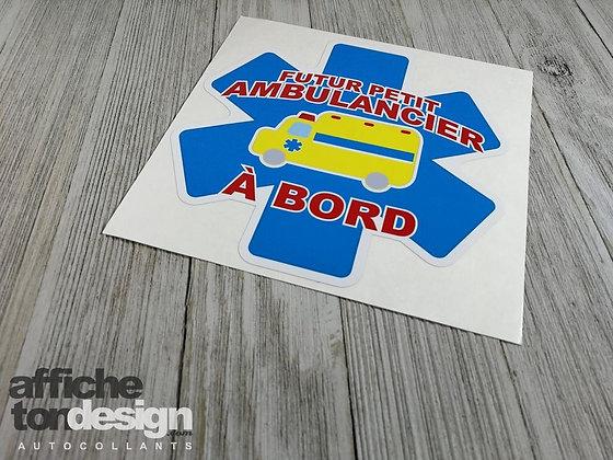 Futur(e) petit(e) ambulancier(ère)