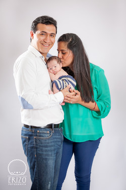 Santiago newborn-5