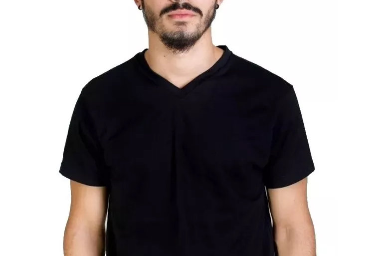 Camisa Básica Lisa Gola V Rasa 100% Algodão Preta