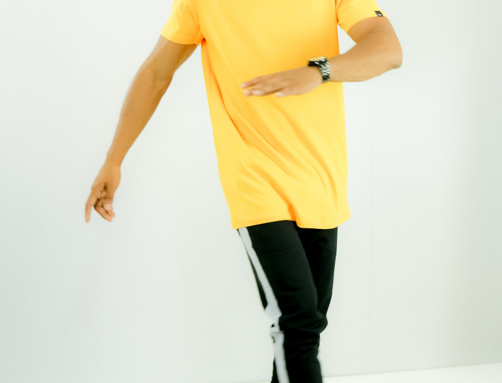 Camiseta Oversized Longline Gola Canoa Reta Simples Amarela