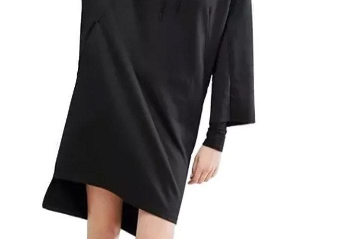 Vestido Moletom Capuz com Cordão Assimétrico Preto