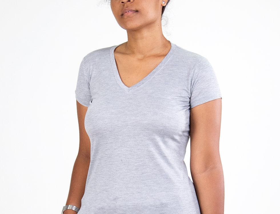 Camiseta Básica Gola V 100% Algodão Cinza Claro