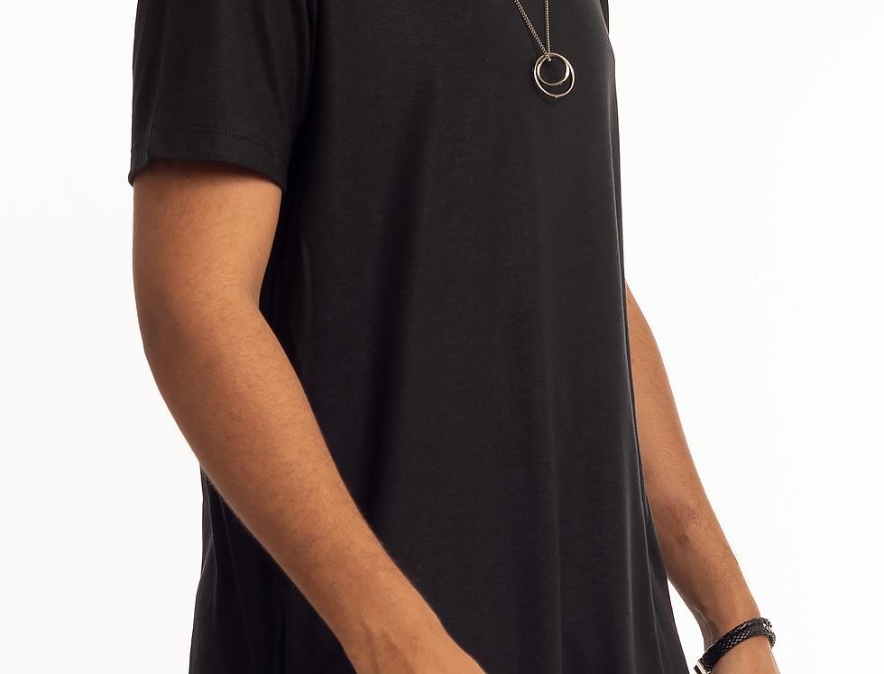 Camiseta Oversized Longline Masculina com Zíper Canoa Swag Preta