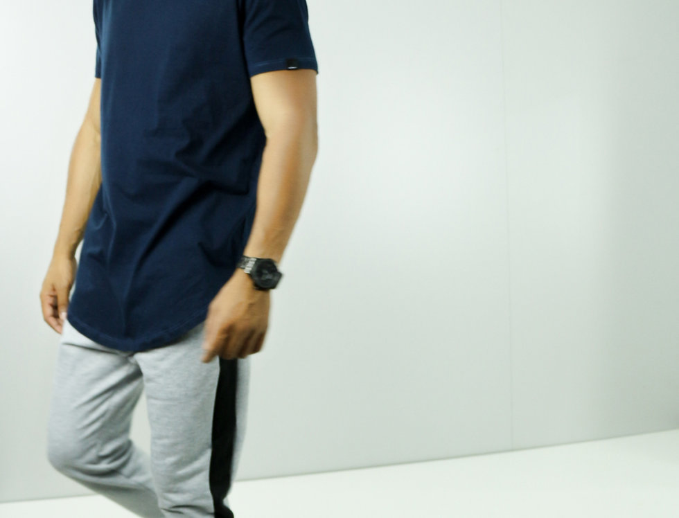 Camiseta Oversized Longline Redonda Meio Swag Azul Marinho