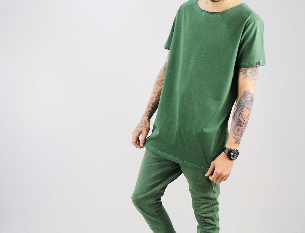 Camiseta Gola Canoa Oversized Simples Verde Musgo