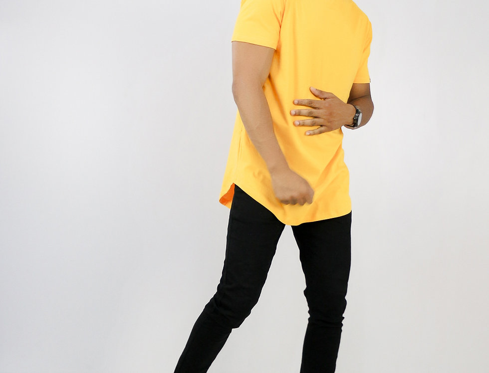 Camiseta Oversized Longline Redonda Meio Swag Amarela