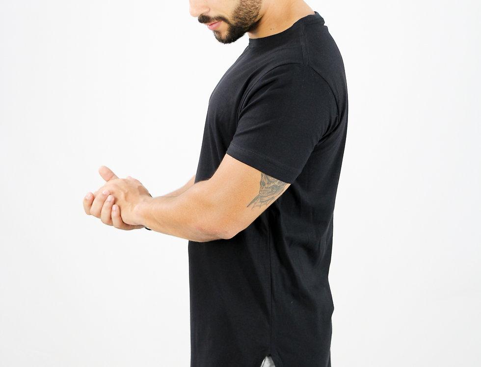 Camiseta Oversized Longline Gola Redonda Manga Curta Barra L
