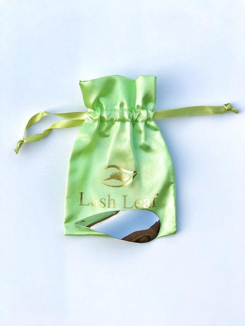 Lash Leaf Eyelash curler - Green pouch (Bolsa Verde)