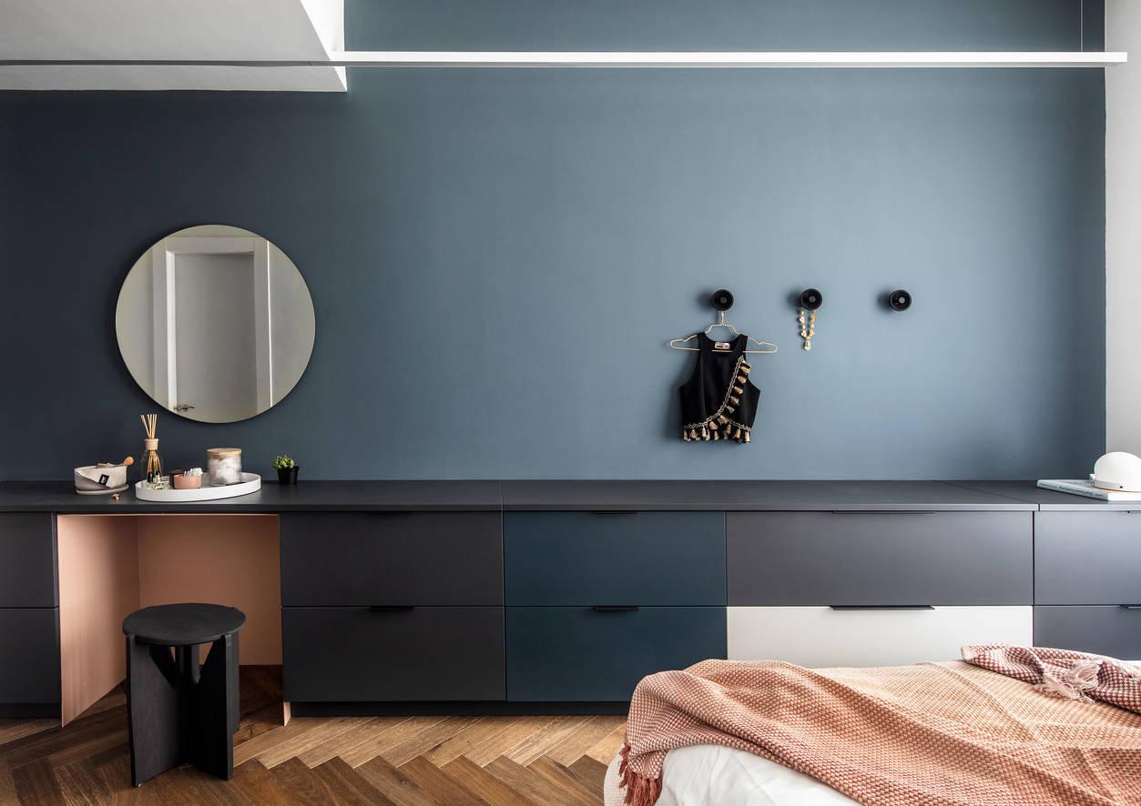 Deep blue bedroom wall