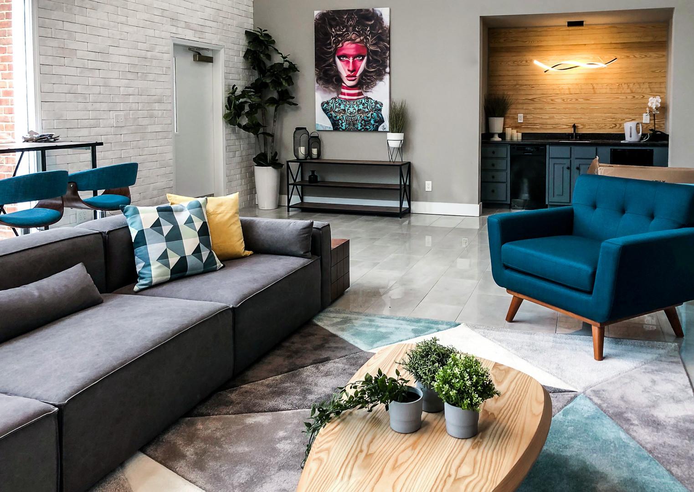 Leasing Lounge