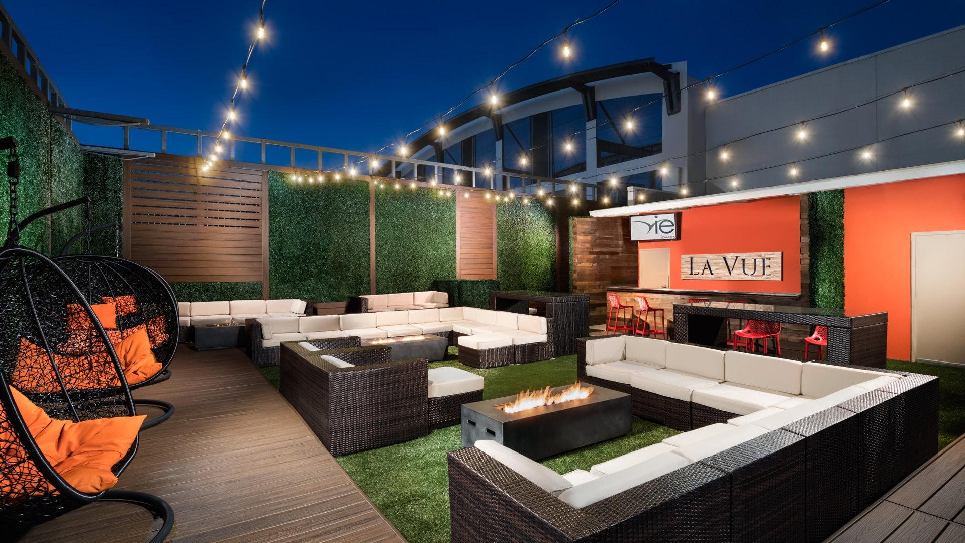 Rooftop-Lounge_AV_190416_4161168-RT_edit