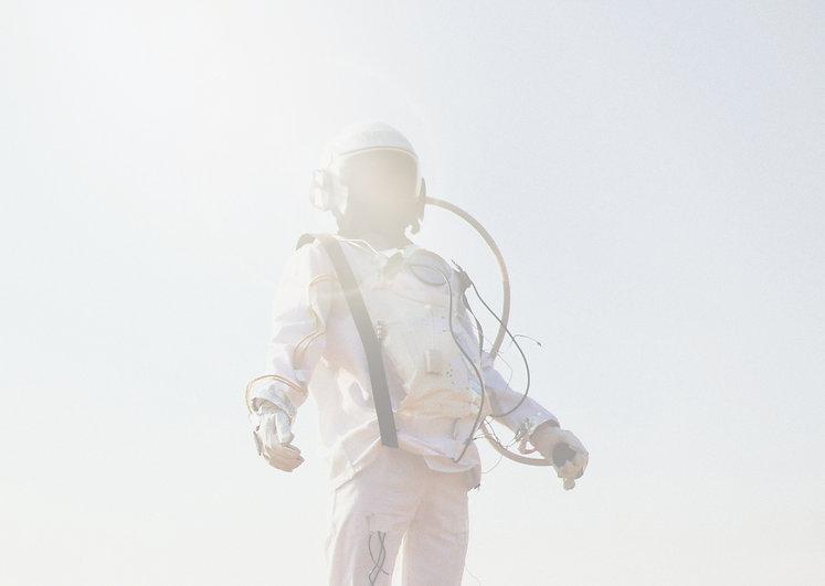 Astronaut_edited_edited_edited_edited.jp