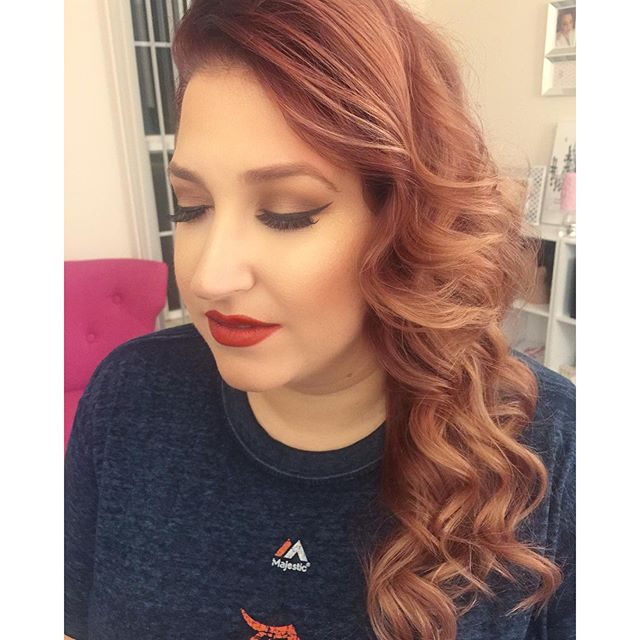 NYE Glam on this beauty! 😍 We went with a modern yet old Hollywood glam look.