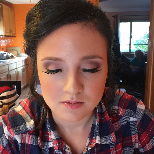 Homecoming glam! 😍😍 _dinairofficial Airbrush _anastasiabeverlyhills Concealer to highlight _ardell