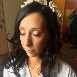 Loved this pretty, natural look we did on this bride! 👰  _dinairofficial Airbrush _anastasiabeverly