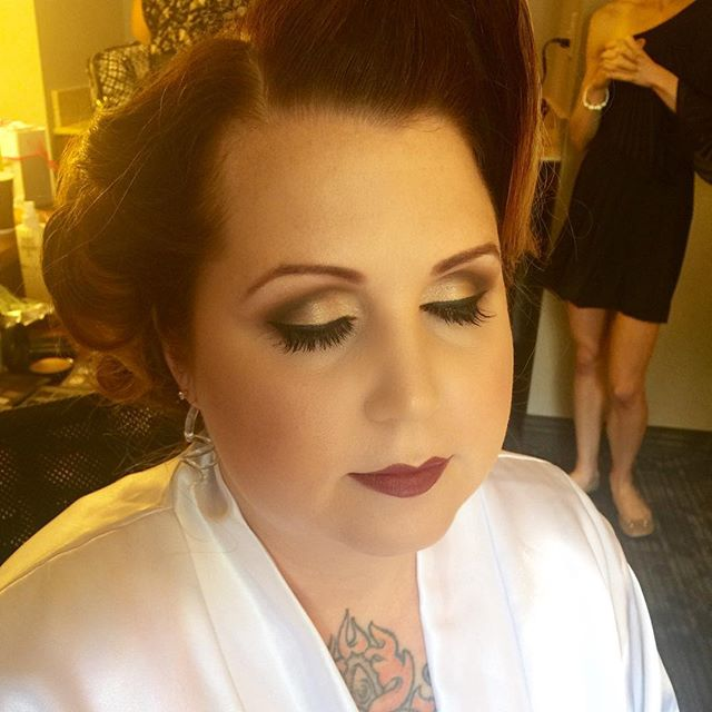 My beautiful vampy pin-up bride from the other day! 😍 _dinairofficial Airbrush _anastasiabeverlyhil