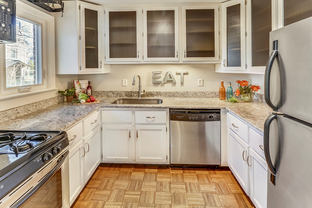 Kitchen with life after home Staging