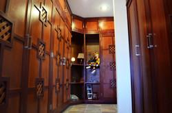 09 Closet
