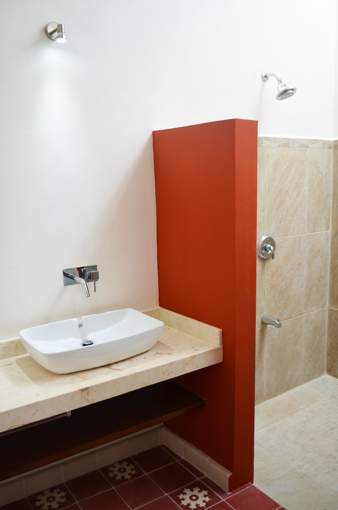 San Teodoro, master bathroom 2