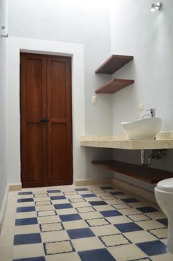 San Teodoro, guest bathroom 2