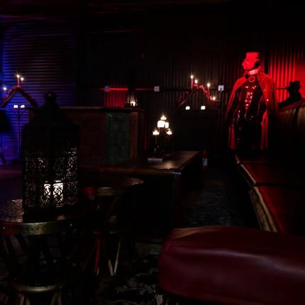 halloween set design, halloween room ide