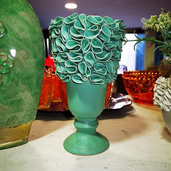 Vasi in ceramica con motivi floreali in diversi modelli