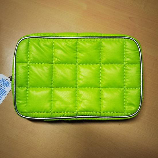 Trousse da viaggio in PVC disponibile in 2 colori.