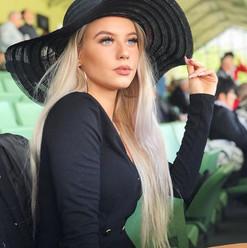 MaxPlus-Management-women-lifestyle-fashion-Influencer