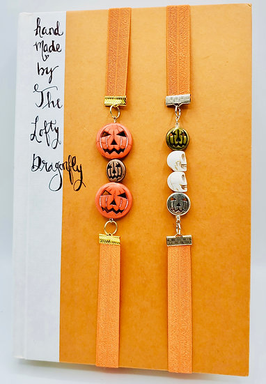 2 Halloween Bookmarks: Pumpkins, Pumpkins and Skulls Elastic Band Gift