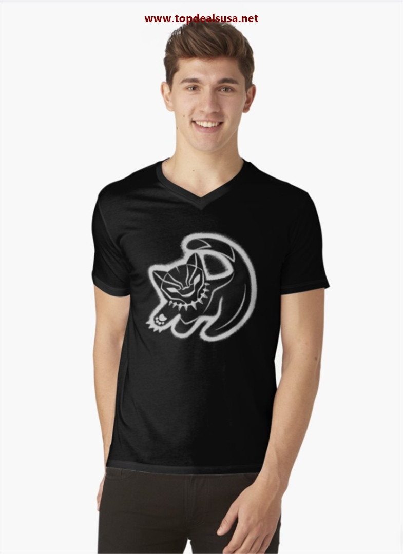 The panther king V-Neck T-Shirt best buy