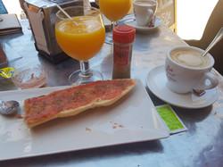 Breakfast in Avda Rio Nalon