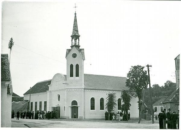 Kirche Loipersbach.jpg