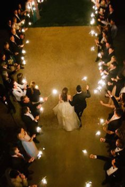 100 Sparklers for your guests!