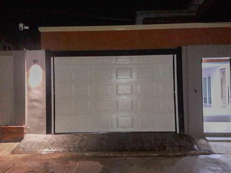 งานติดตั้งยันมืดค่ำครับ เพื่องานของลูกค้า งานตั้งประตูโรงรถ Garage door