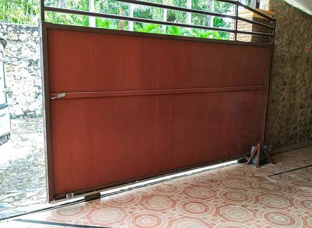 ปัญหาจะหมดไป ในการเปิด-ปิดประตูบ้านคุณ โดยสั่งงานผ่านรีโมทราคา รวมค่าติดตั้งแล้วเริ่มต้นเพียง 9,900