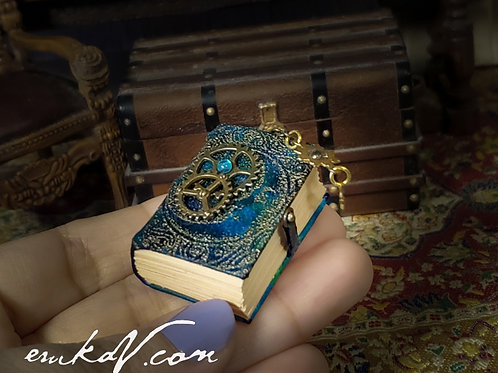 Green Leather Steampunk book #2