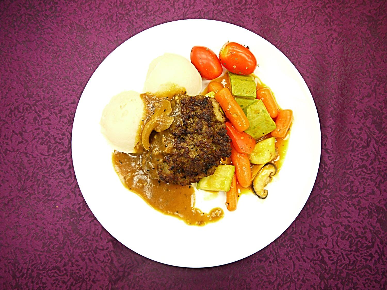 大學高桌晚宴 - 自家製牛肉漢堡扒