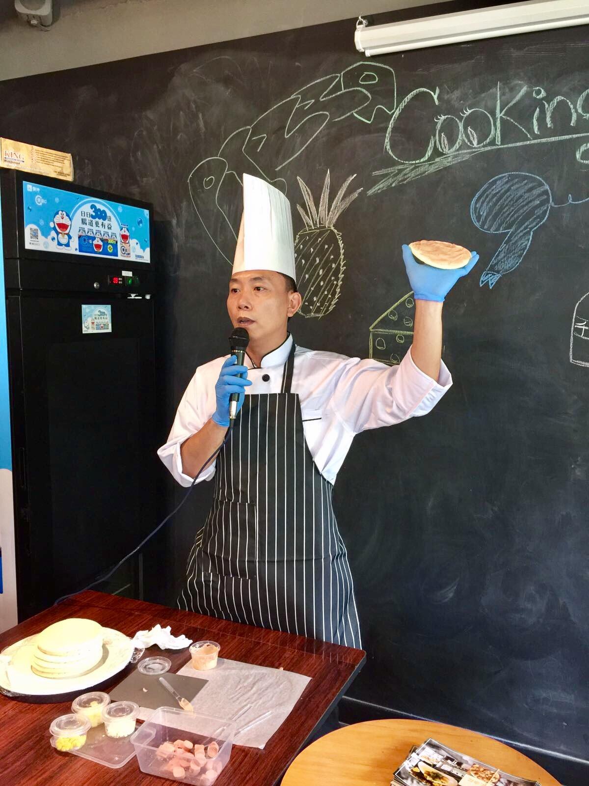 行政總廚Raymond@小廚師薄餅製作活動