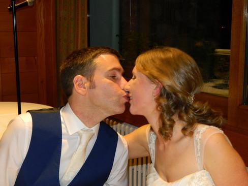 Super mariage Britannique en Haute-Savoie ! Hôtel Restaurant « L'Echo des Montagnes » à ARMOY Samedi