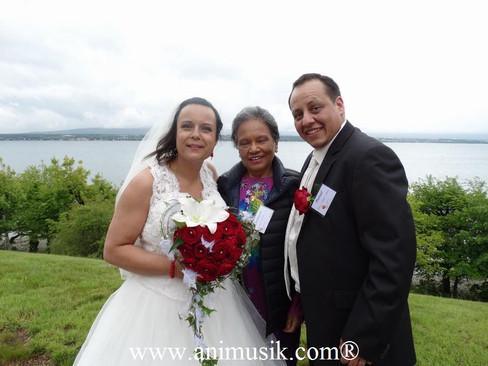Super Mariage à l' « Hermancia » au bord du Lac Léman malgré la pluie… Le soleil était dans tous les