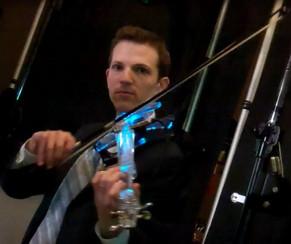 Image of strolling violinist