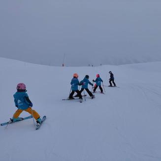 on skie par tous les temps