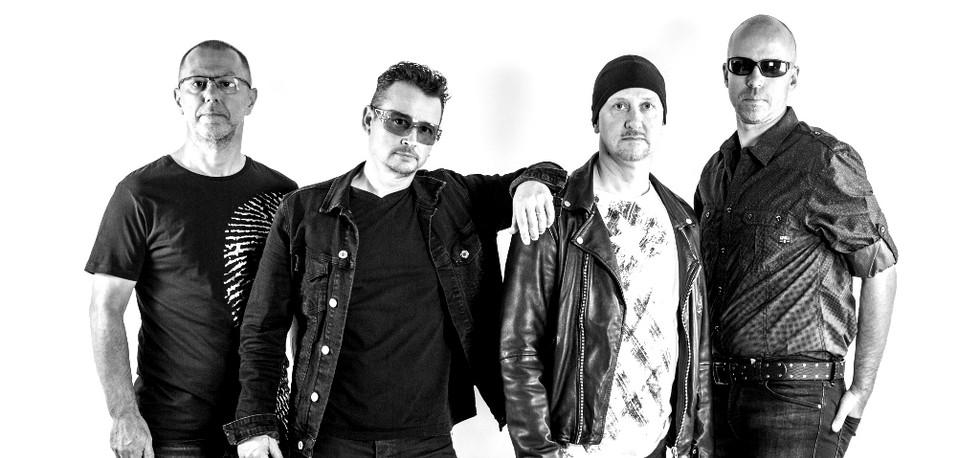 U2 shoot studio-6145web_edited.jpg