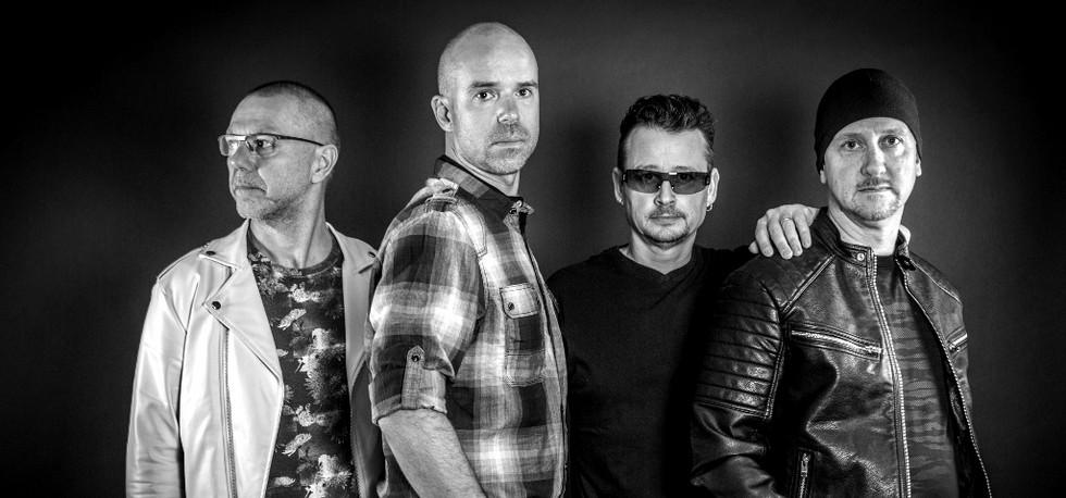 U2 shoot studio-6098web_edited.jpg