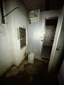 2. Getränkekühlraum + Aufzug zum Thekenbereich
