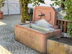 Brunnen in der Gartenwirtschaft