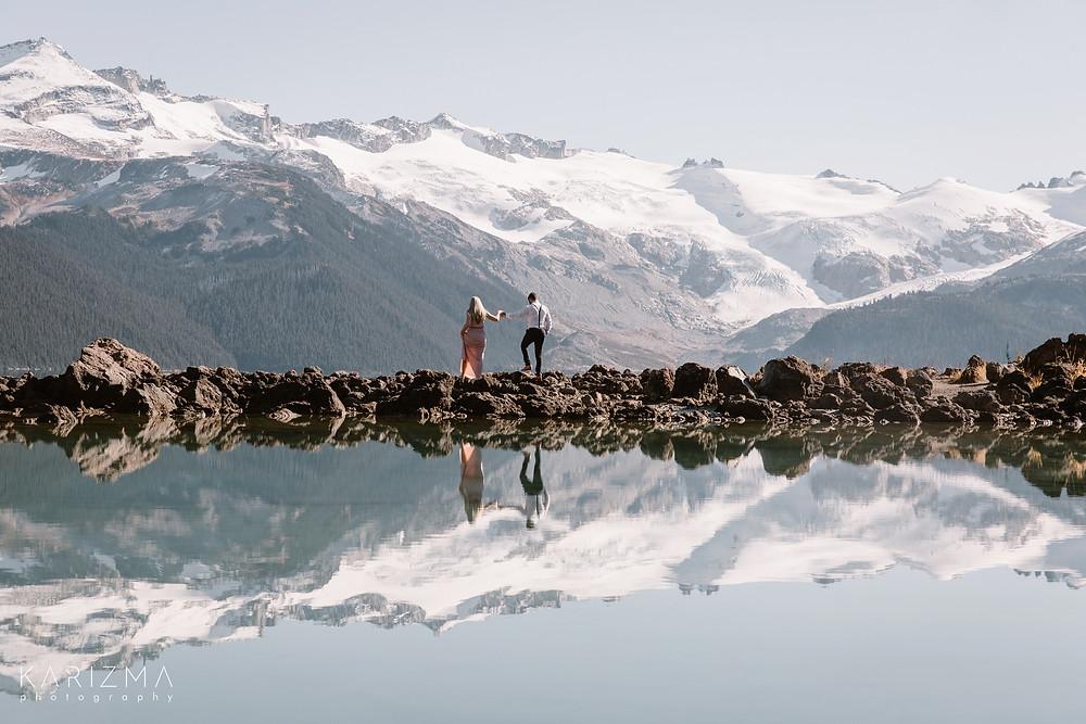 Couple garibaldi lake